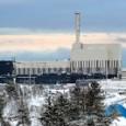 Är det så klokt eller är det till och med direkt farligt att reaktorer som skulle ha stängts av 2010 körs hårdare än någonsin förut?